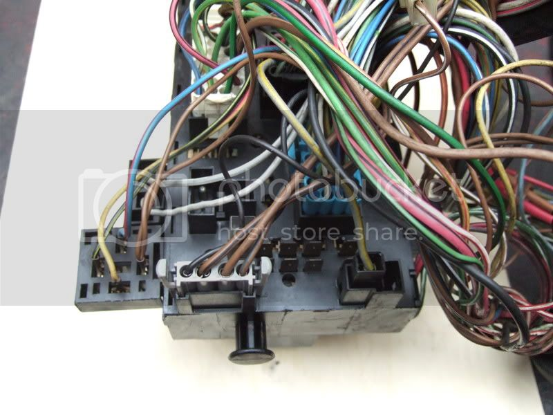 View topic: Fuze box wiring layout . Relay locations . Fuze ... on sw2 fuse box, mk5 fuse box, sl4 fuse box, m3 fuse box,